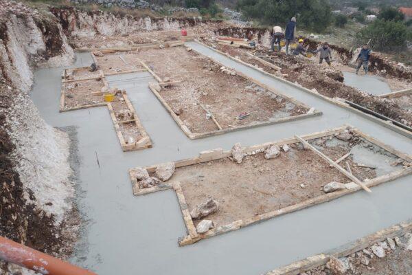 Gradnja betona privatne Vile s bazenom u Rogoznici
